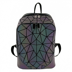 PU2166 2019 Custom Logo Geometric Diamond Lattice Luminous Issey Miyak Bao Travel Backpack