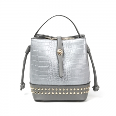 PU2289 Latest design Shiny PU Leather Crocodile Print Rivet Women bucket bag